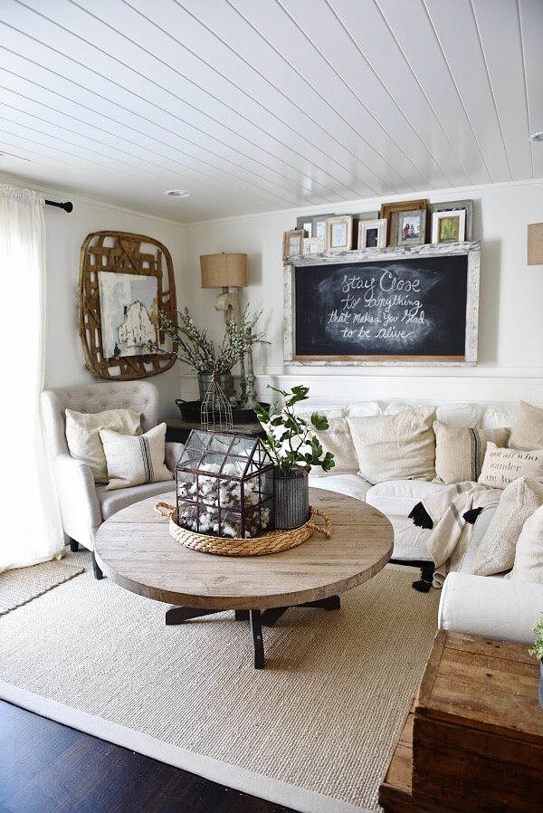 Sweetly Intimate Primitive Livingroom Furniture