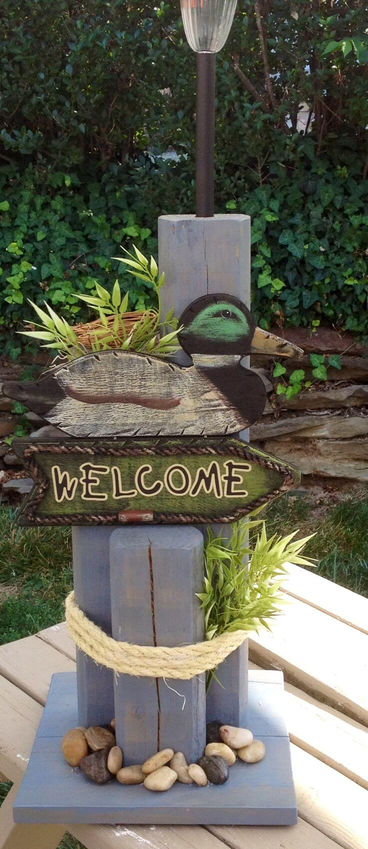 Eye-Catching Welcome Posts for Front Porches