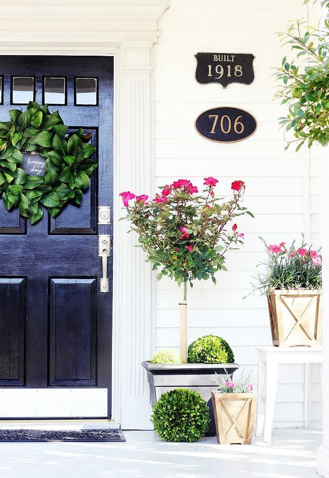 Adorable Topiary Porch Planter Ideas
