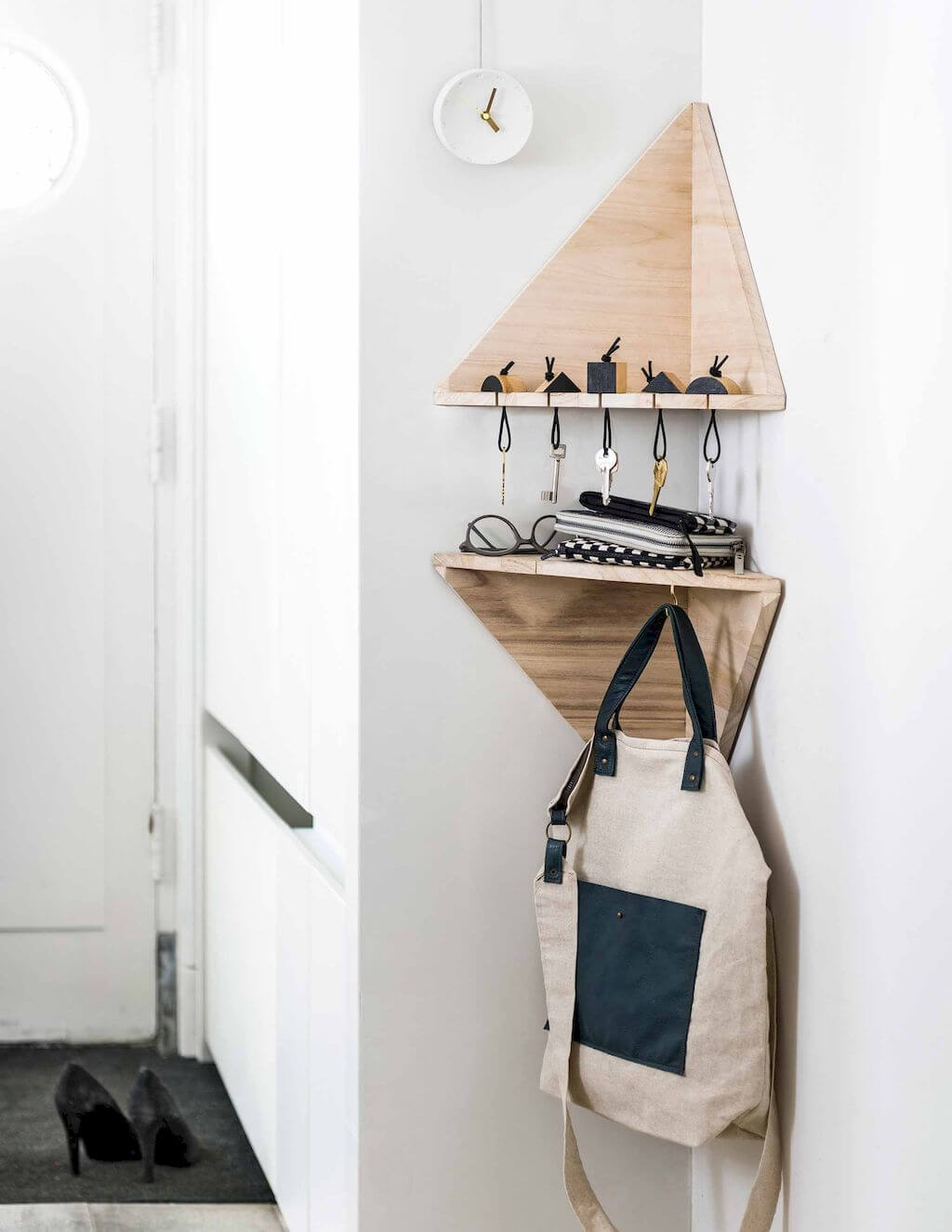 Ingenious Triangular Shelf for Keys