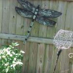19-garden-fence-decoration-ideas-homebnc