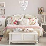 19-vintage-bedroom-decor-ideas-homebnc