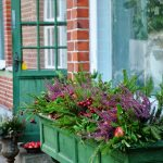 19-window-box-planter-ideas-homebnc