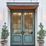 20-farmhouse-front-door-ideas-homebnc