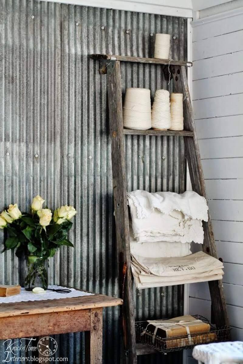 Corner Crafting Supply and Linen Hanger