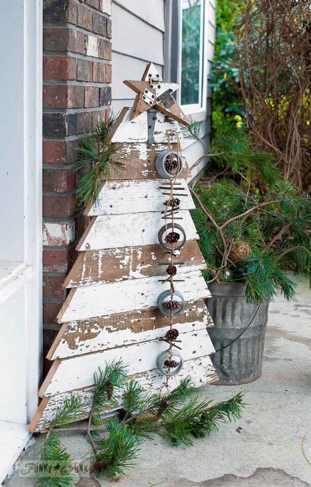 Shabby Chic Wood Christmas Tree