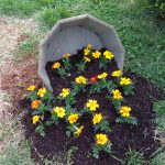 20-spilled-flower-pot-ideas-homebnc