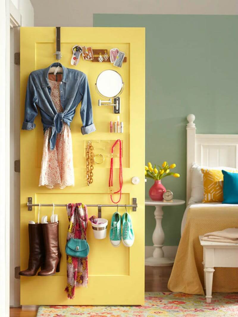 Nifty Door Hooks And Railings For Accessories