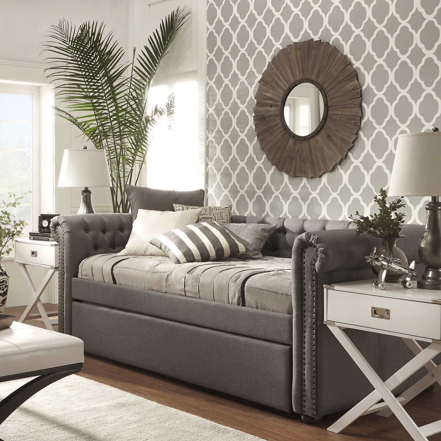 ModHaus Classic Chesterfield Style Daybed with Trundle