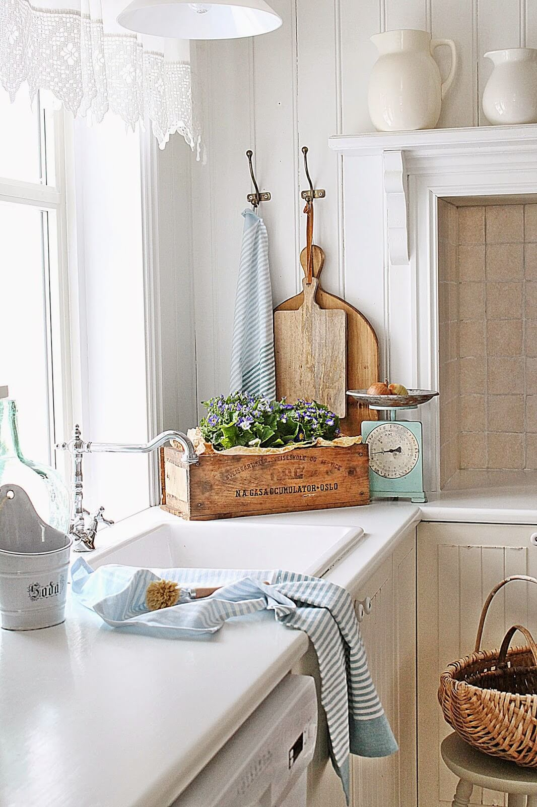 Best Accessories for the Cottage Kitchen