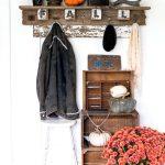 21-diy-pallet-signs-ideas-homebnc