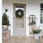 21-farmhouse-front-door-ideas-homebnc