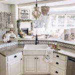 21-farmhouse-kitchen-sink-ideas-homebnc