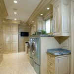 21-just-a-touch-of-color-laundry-room-ideas-homebnc