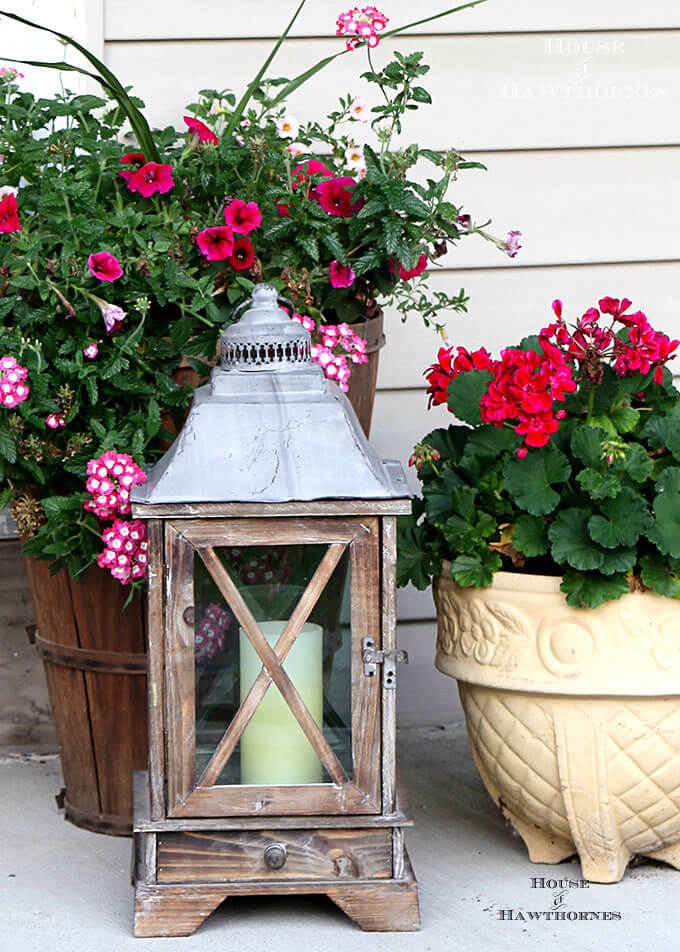 Colonial Style Wooden Porch Lantern