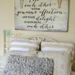 22-bedroom-wall-decor-ideas-homebnc
