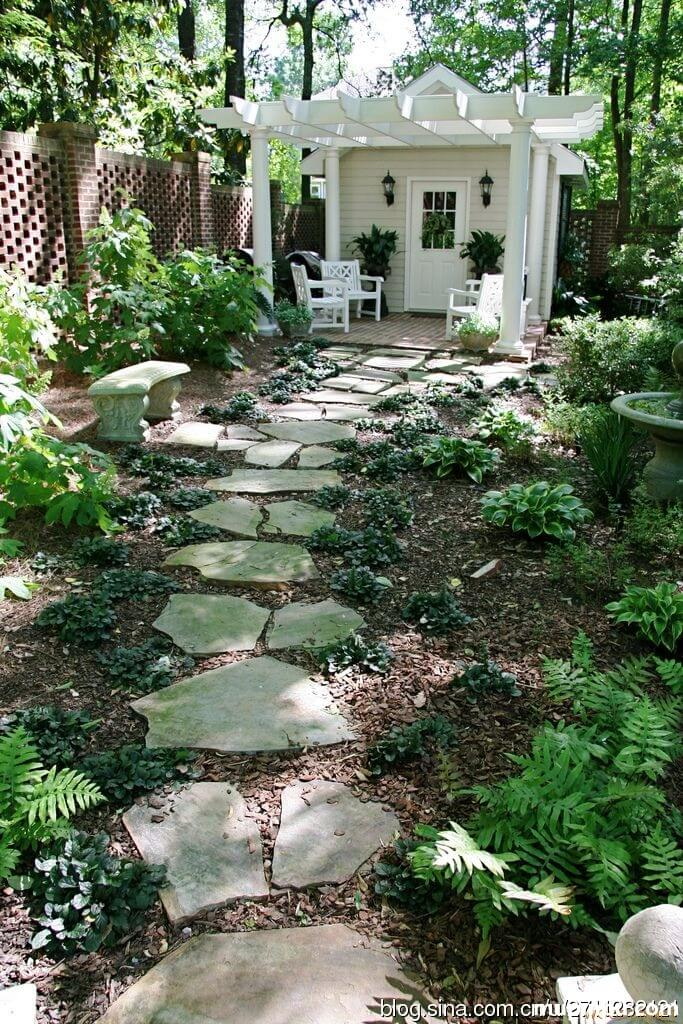 Natural Flagstone For A Classic Look