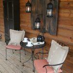 22-porch-wall-decor-ideas-homebnc