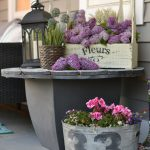 22-rustic-farmhouse-porch-decor-ideas-homebnc