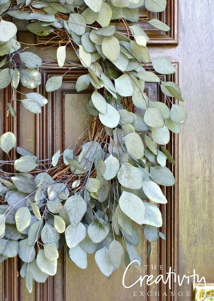 Simple Wreath with Pale Green Leaves