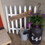 22-rustic-spring-porch-decor-ideas-homebnc