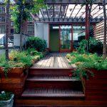 23-built-in-planter-ideas-homebnc