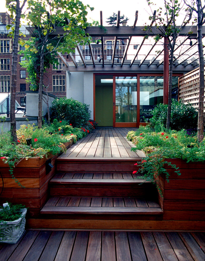 Deck with Built-In Planter Boxes