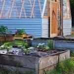 23-diy-green-house-ideas-homebnc