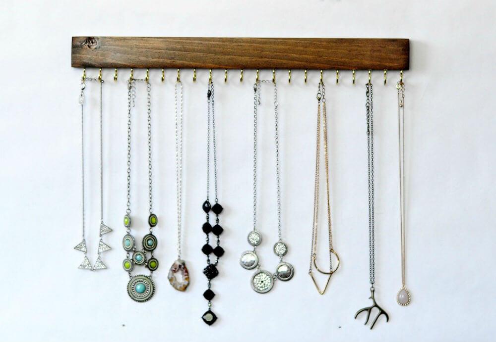 Floating Necklace Arranger with Hooks