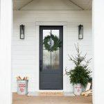 23-farmhouse-front-door-ideas-homebnc
