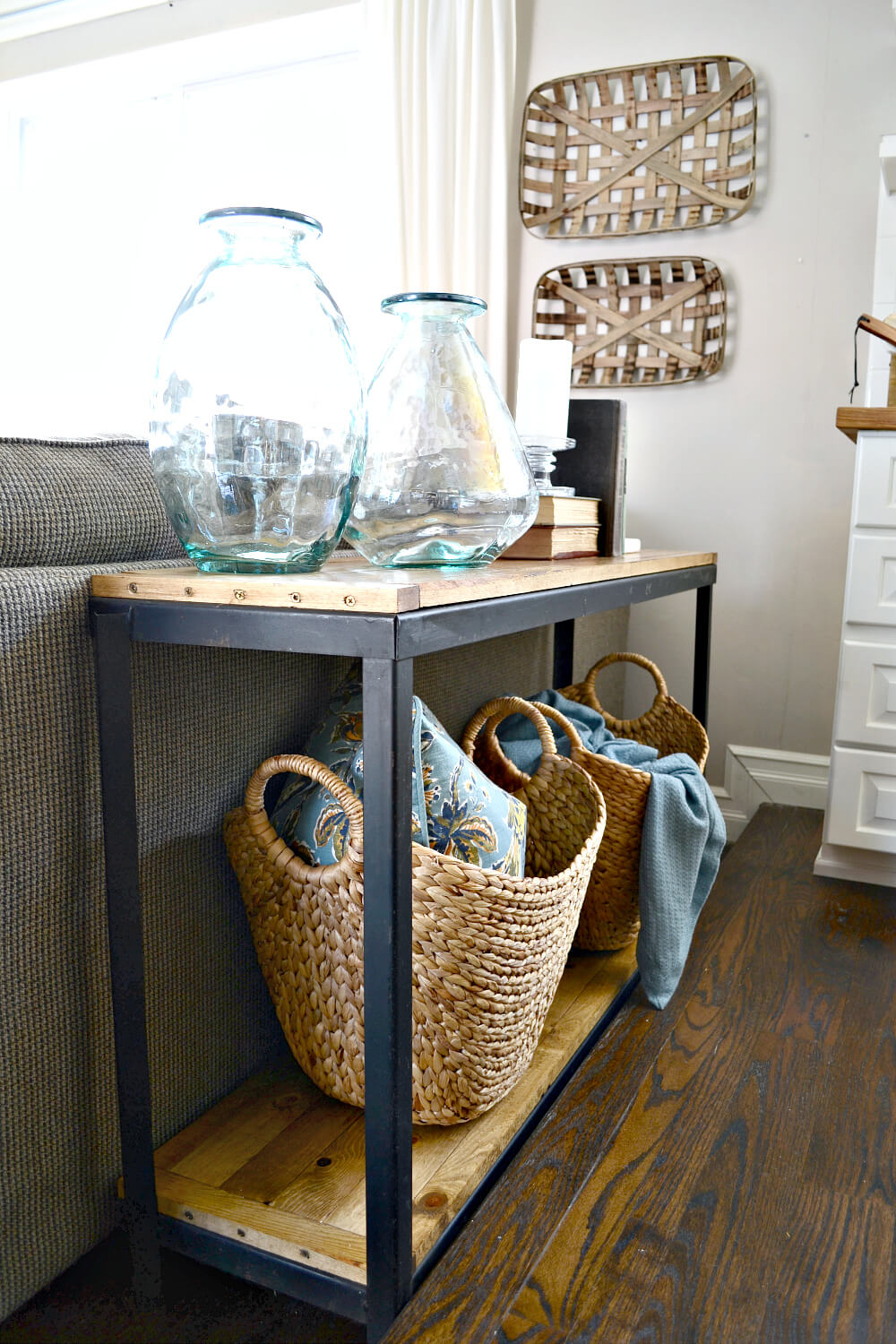 Chic Restructured Toolbox Sofa Table