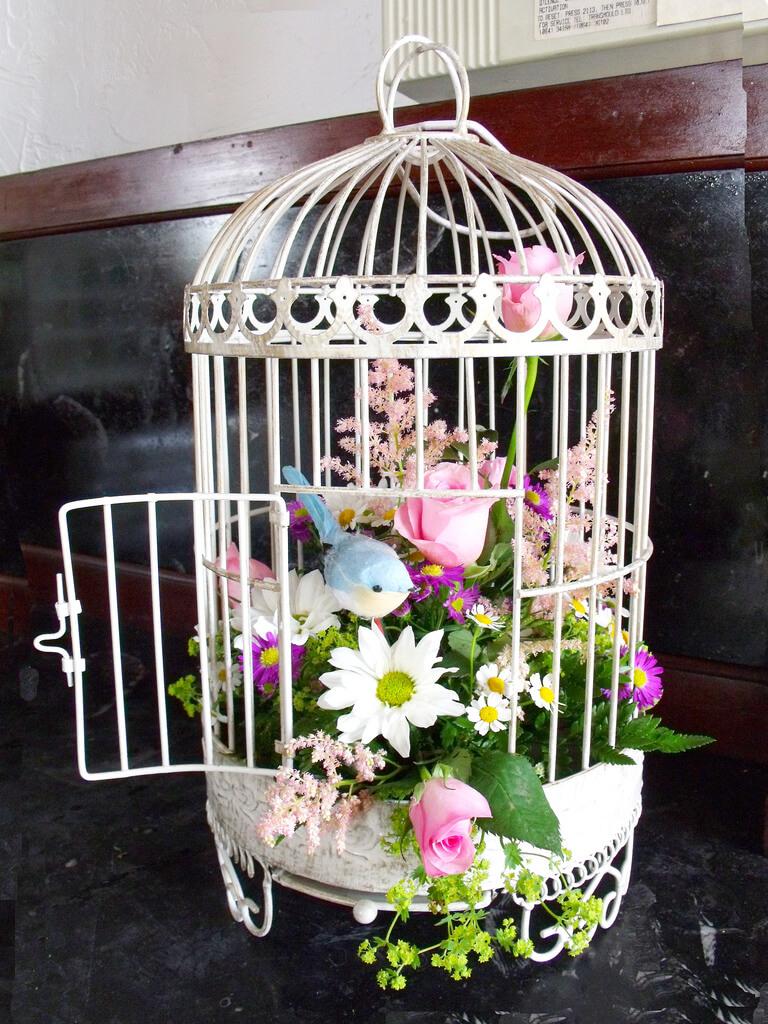 Cute Spring Birdcage Floral Decoration