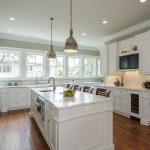 23-white-kitchen-cabinet-ideas-homebnc