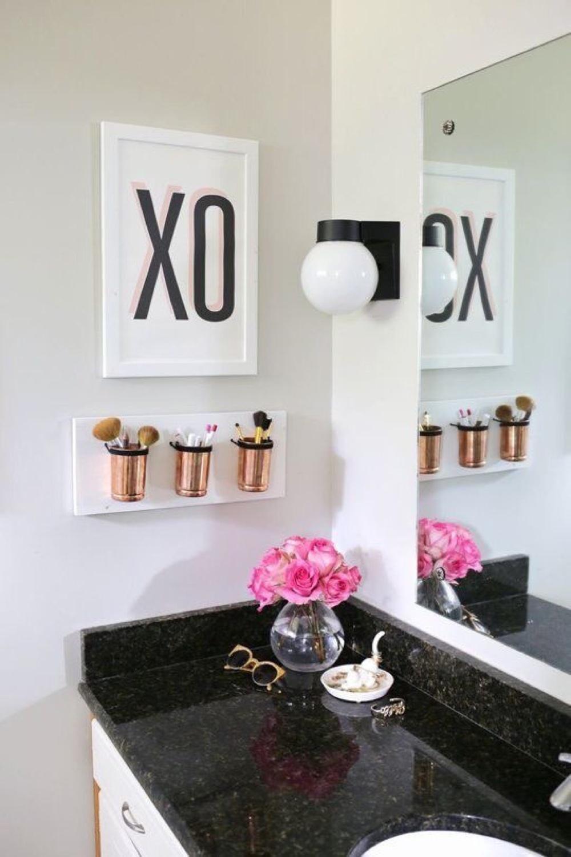 Black, White, and Gold Bathroom Decor Ideas