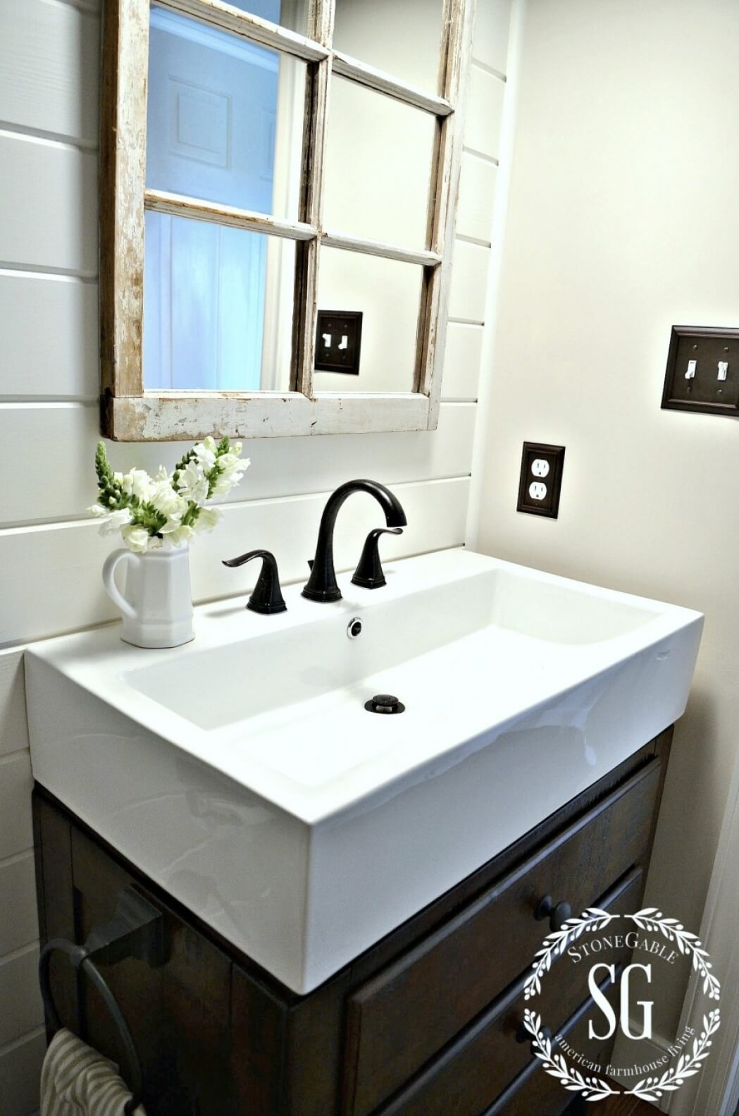 Large Sink with Bright White Decor