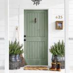 24-farmhouse-front-door-ideas-homebnc