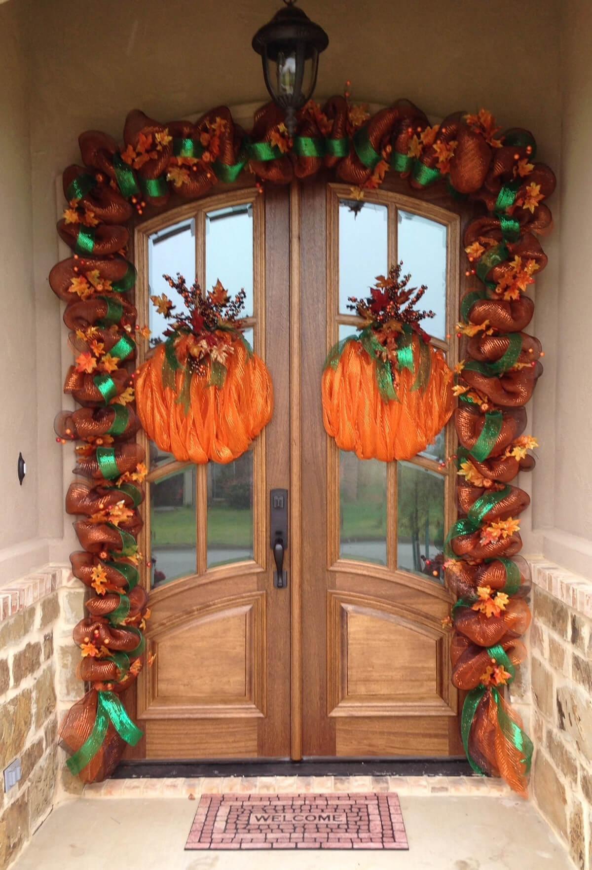 Ribbon Door Pumpkins and Garland