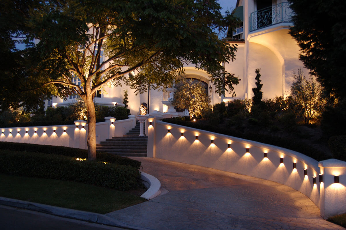 Landscape Lighting Idea for Driveways