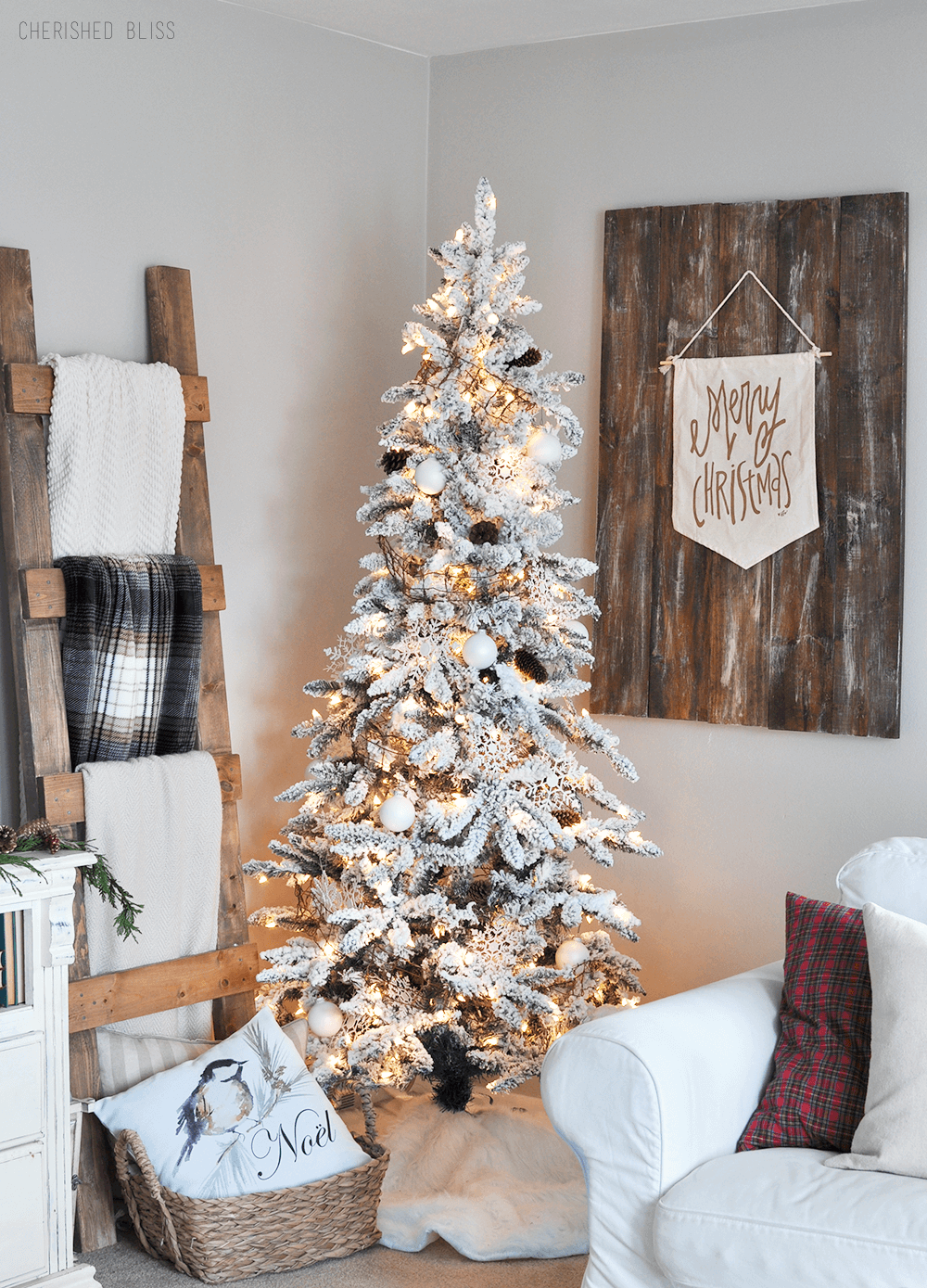 Snowy White Christmas Tree Inspiration
