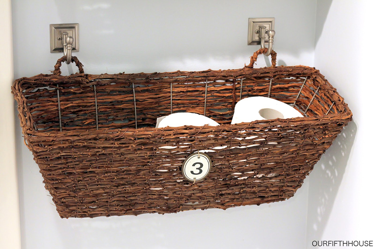 Easy Hanging Storage Basket with Bathroom-matching Fixtures
