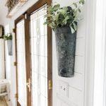 26-farmhouse-plant-decor-ideas-homebnc