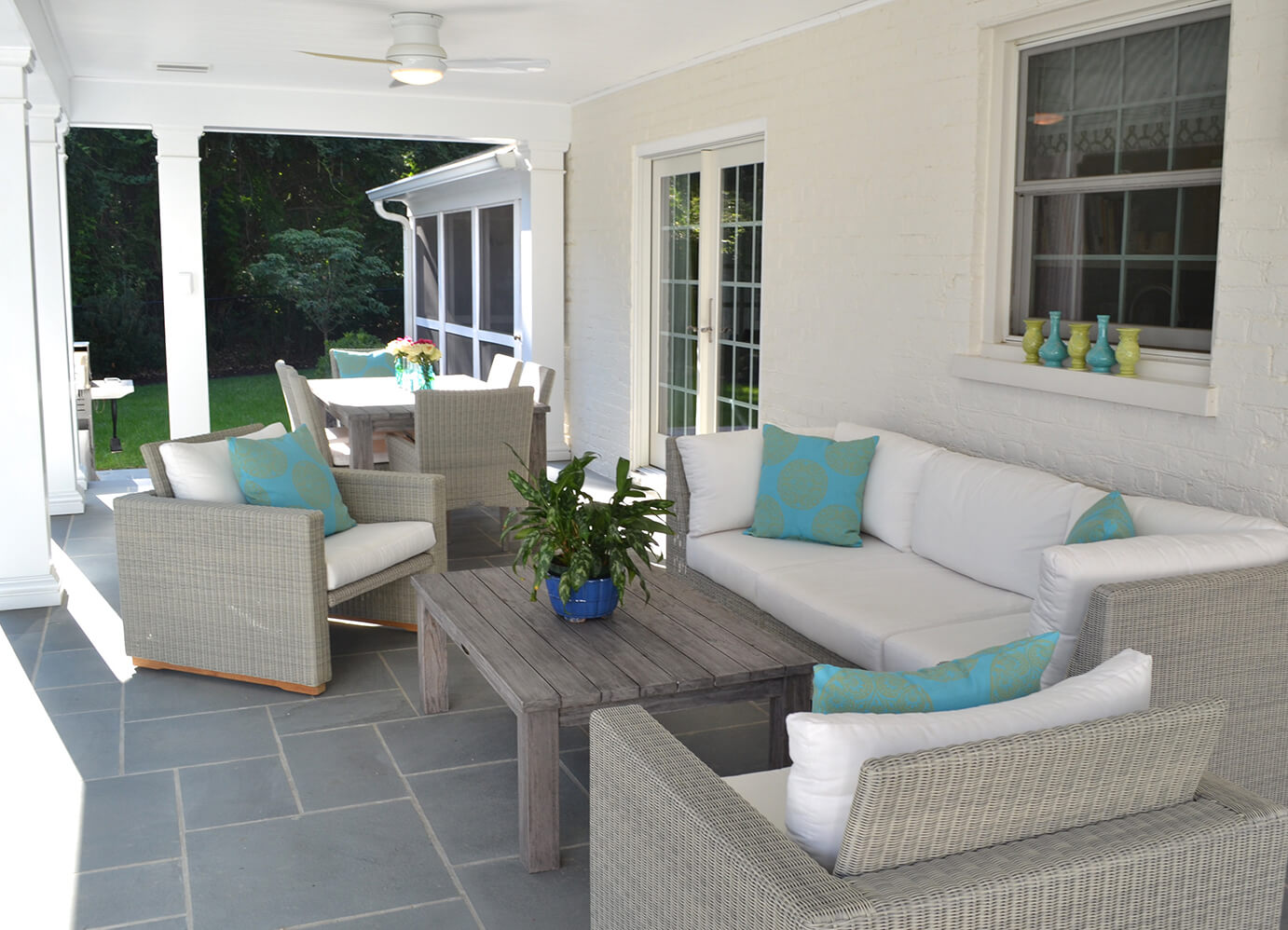 Relaxing Outdoor Living Spaces for your Porch