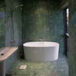 26-wet-room-green-geometry-homebnc