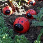 27-diy-painted-garden-decoration-ideas-homebnc