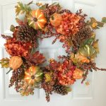 27-fall-door-wreath-ideas-homebnc-1