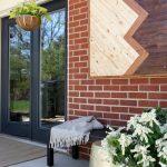 27-porch-wall-decor-ideas-homebnc