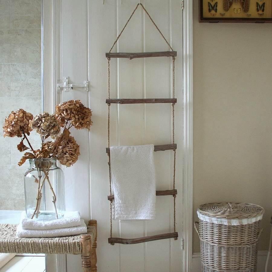 Treehouse Ladder Hanging Towel Display