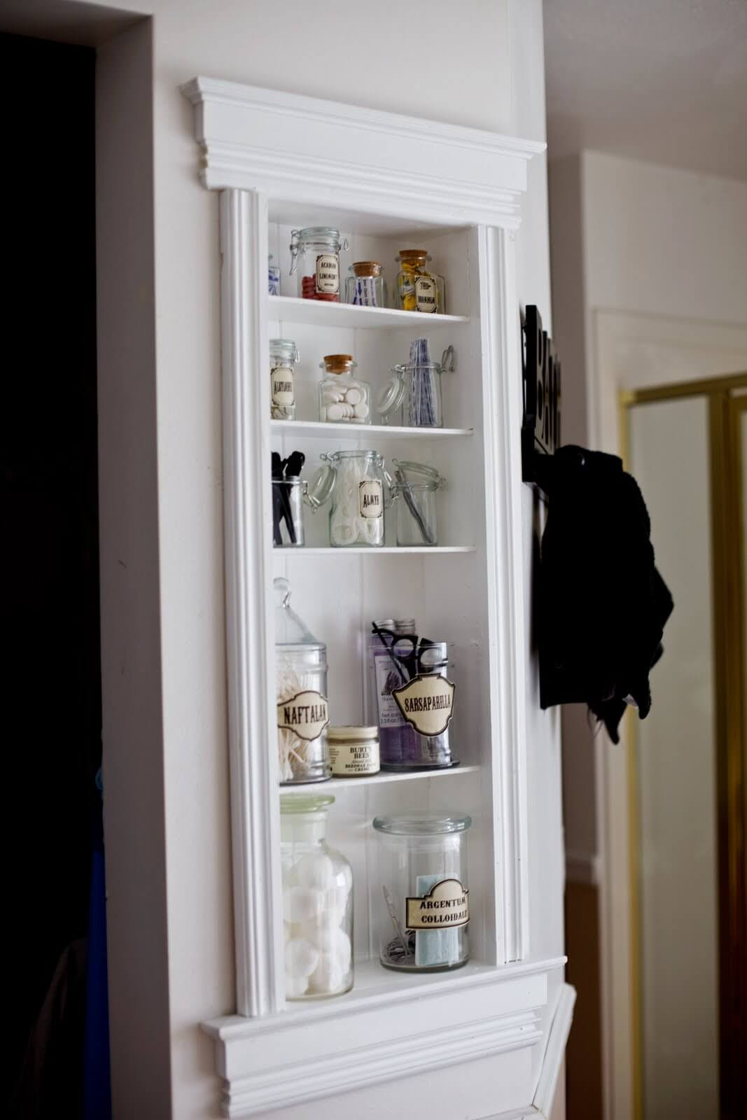 Pretty Jars Can Dress up Bathroom Storage