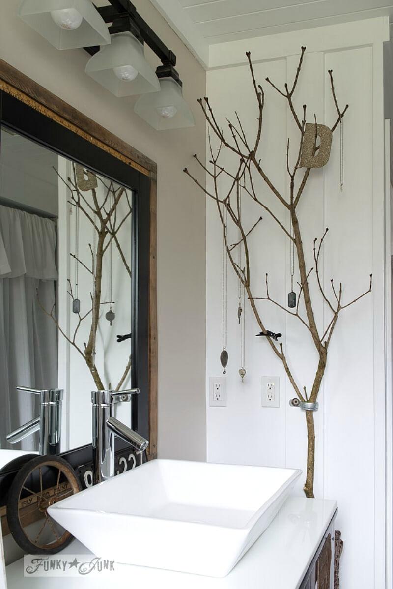 Easy DIY Jewelry Organizing Tree