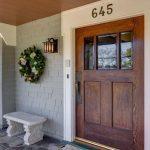 28-farmhouse-front-door-ideas-homebnc